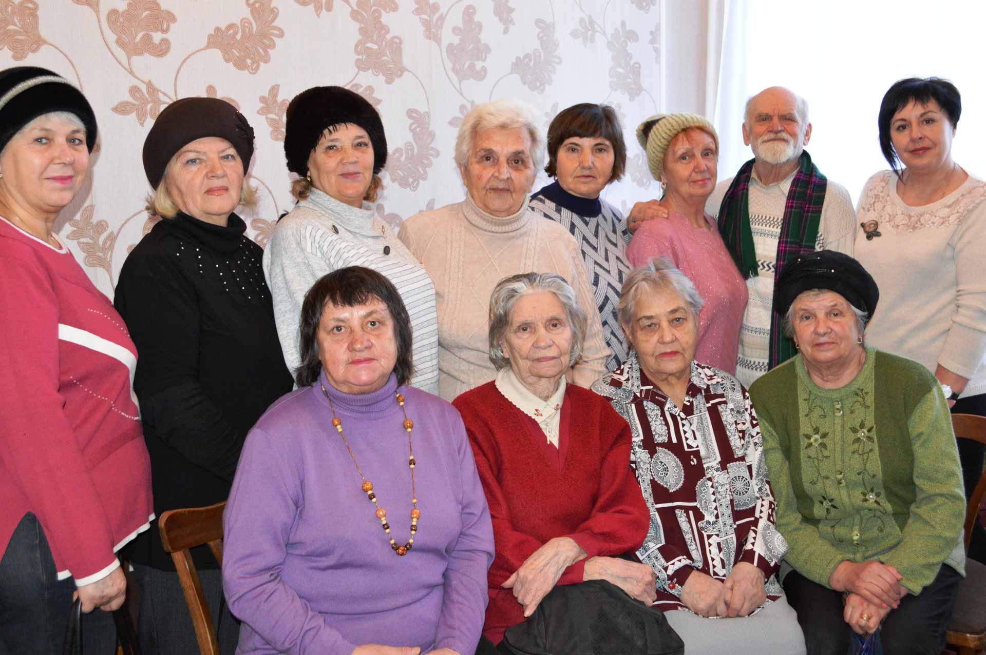 8 січня, в день народження Симоненка, зібралися на чергове засідання члени літературно-мистецької вітальні «Струни серця» в Центральній міській бібліотеці м. Олександрія.